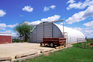 steel_building_images/q_model/farm-equipment-steel-arch-buildings-q-model.jpg